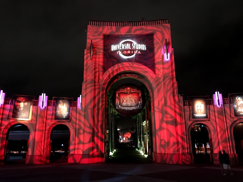 i had the pleasure of experiencing universal studios orlando horror nights where horror films come to life the entire park is transformed with mist